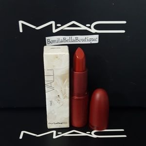 MAC COSMETICS CHARLOTTE LIPSTICK NIB